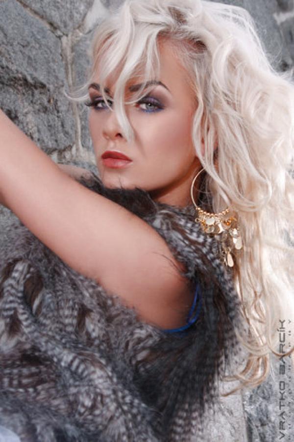 Model | Dominika K.