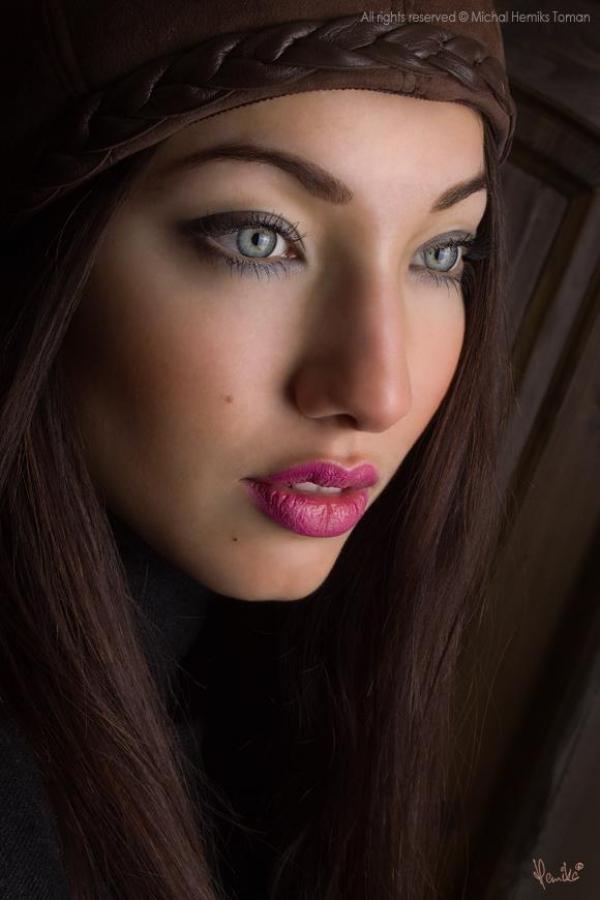 Model| Miriam B.