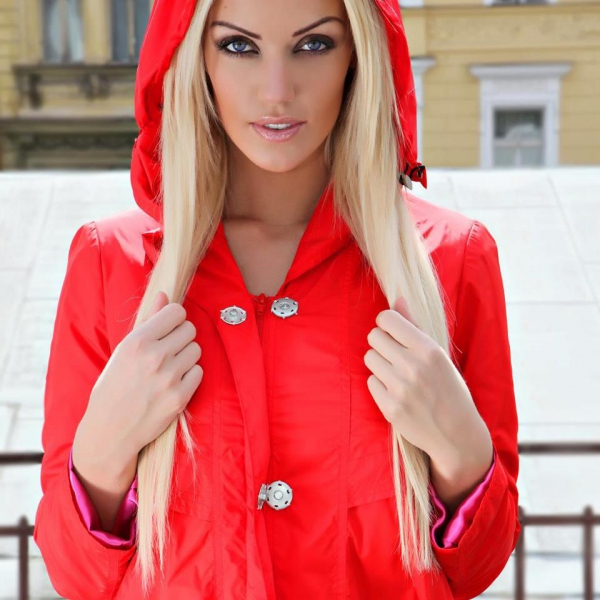 Model | KATEŘINA ŠONKOVÁ