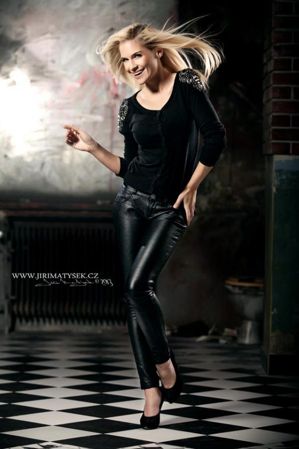 Model | Dominika H.