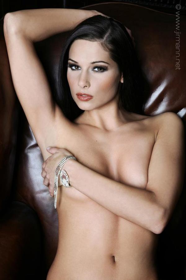 Model   Eva S.