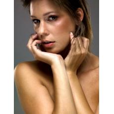 Model | Alice VYHNALOVÁ